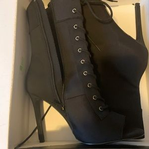 Aldo black heels size 7 1/2